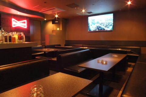 道内最大65インチ大画面TV、40名様まで着席可能です。