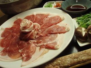 浅野豚ロース肉を使った「豚しゃぶ鍋」もございます!