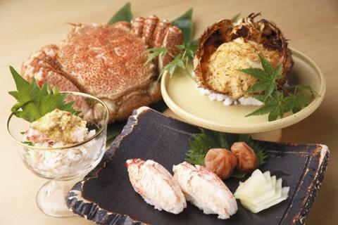 北海道オホーツク枝幸産の毛蟹料理一例
